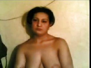 arabische Amateur nackte Frau