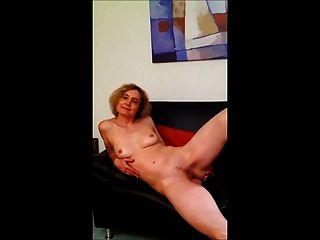 der Traum: kleine leere Saggy Titten 75