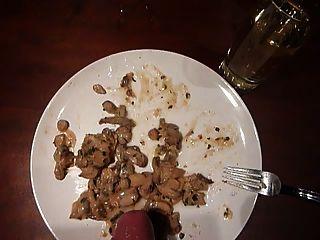 Sperma auf Essen cum cum Essen