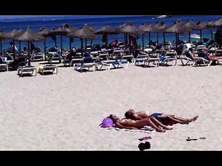 Strand Sonnenbaden Paar