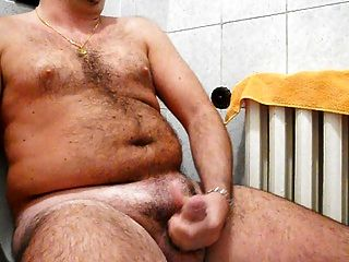 wichsen meinen harten Schwanz im Badezimmer mit Mega Cumshot