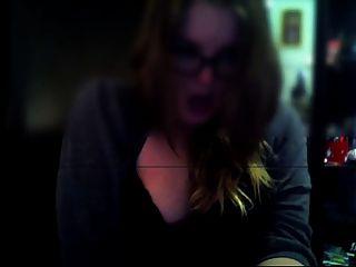 Mädchen masturbieren auf Webcam