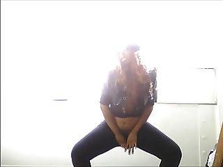 Nettes Titty Ebenholz blinkendes Tanzen beim Sh Tanzen