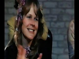 zwei Frauen saugen einen Schwanz für Amerika