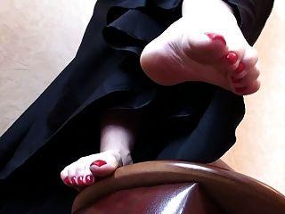 künstlerische Füße (Fußaufhängung)
