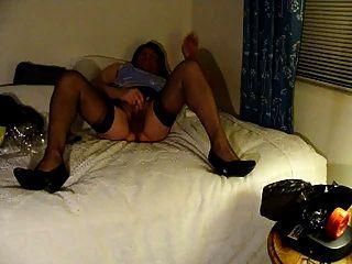 Masturbieren in Strümpfen mit meiner neuen Kamera