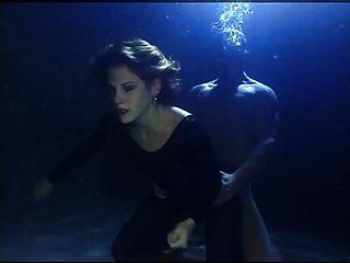 Unterwasser Sex gefangen 2