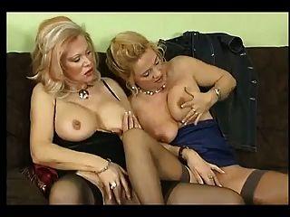 Sex mit deutscher Frau und ihren Freunden