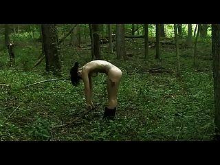 Dame Gaga nackt Yoga