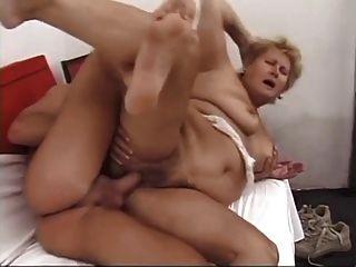 bbw haarige Oma mit großen Titten wird fuck