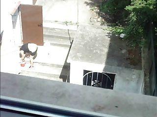 Ruckeln vom Fenster zur reifen Frau 2