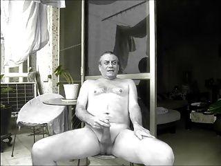 ein Nachbar beobachtet mich nackt