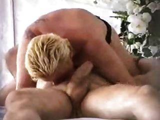 kräftige Frau cums beim Treiben 69. starker Orgasmus