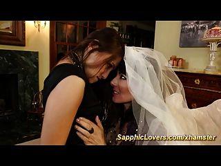 Braut hat lesbischen Sex mit ihrem besten Freund