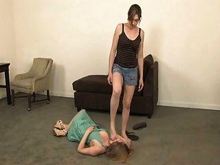 lesbische trampling