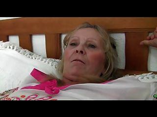 granny isabel heiße sexy 64yr alte busty zeigt porn videos 2