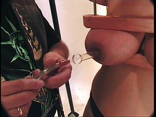 große Titty und Fotze Folter für bbw asian Ingwer