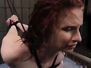 claire adams gefesselt und bestraft in water bondage