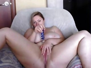 weiße Beute nat mit riesigen natürlichen Titten und Phat Pussy