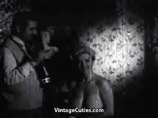 busty paula Seite posiert nackt (1950er Jahrgang)