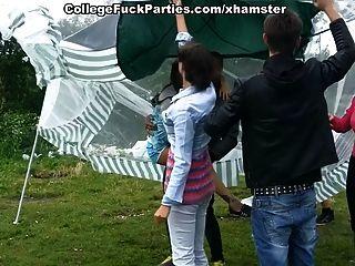 Studentenparty am Picknick