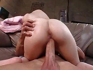 la jeune missy tronchee par une grosse schlange