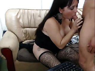 Mädchen fucking mit zwei Jungs auf cam