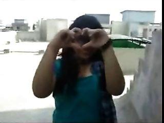 nordindische Mädchen zeigen ihre schlauen riesigen Boobs zu ihrem bf