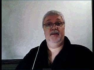 argentinischer Großvater auf Webcam