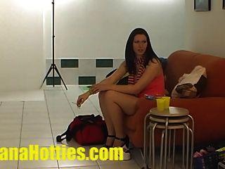 sexy Fotoshooting und Ölmassage beim Casting