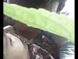 indonesien cewek jilbab ngentot outdoor