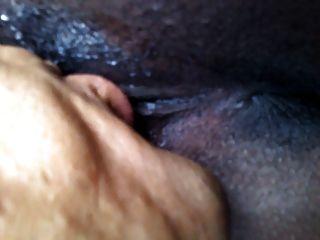 Ebenholz mit langen Pussy Lippen