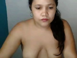 mollig asiatisch mit schlaffen Titten und großen areolas
