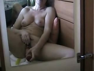 toying mich zu einem spritzenden Orgasmus