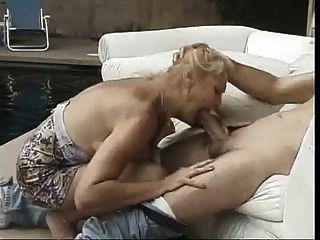 Big Titted Cougar ist immer Pussy geleckt von einem dicken Schwanz
