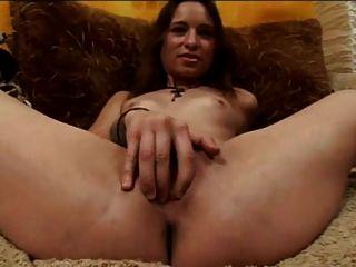 Amber rayne ... kleine Schlampe für Porno dtd gemacht