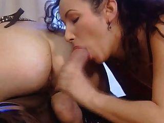 lee ahn \u0026 monica mcdonnell 3some in Gummi \u0026 Leder