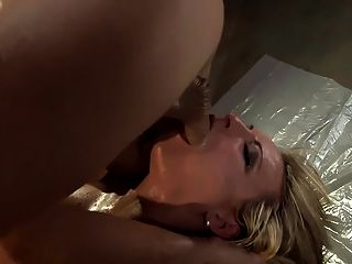 Lubed up Babe fucking in sexy Fischnetz Dessous