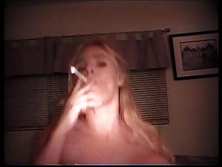 aq kümmert sich um einen Raucherfetisch Kundenteil 2a