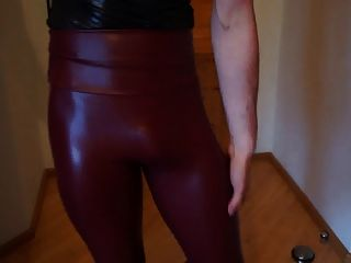 dwt tv crossdresser beine leggings stiefel dick