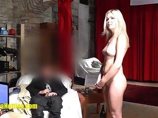 lesbische Ölmassage von zwei 19yo tschechischen Amateurhotties