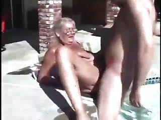 Oma und die Verkäufer