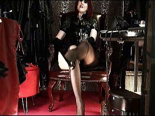 shoeplay \u0026 baumelnde high heels mit Herrin vivian