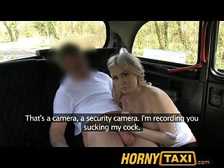 Hornytaxi Hot Blonde Touristen in der ersten Zeit Blowjob