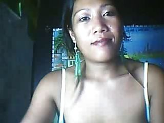 26 Jahre alte Filipina Mom zeigt ihre großen Nippel Teil 3