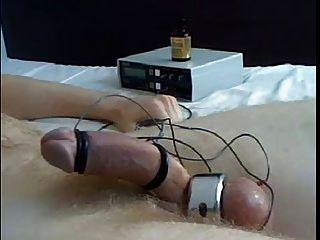 seltsamer Orgasmus mit Strom