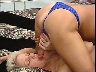 kurze haare blonde arbeiten dame