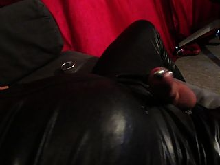 riesige Elektrostimulation Cumshot durch Dilator \u0026 Anal Dildo