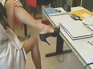fantastische Beine in Strümpfen Hosenträger !!!