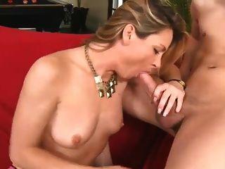Mama fucking ihre Söhne Freund